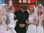 Ярмольник в окружении невест команды КВН Парма