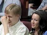 Любимый жест Маслякова младшего, с женой на КВН 2002 года